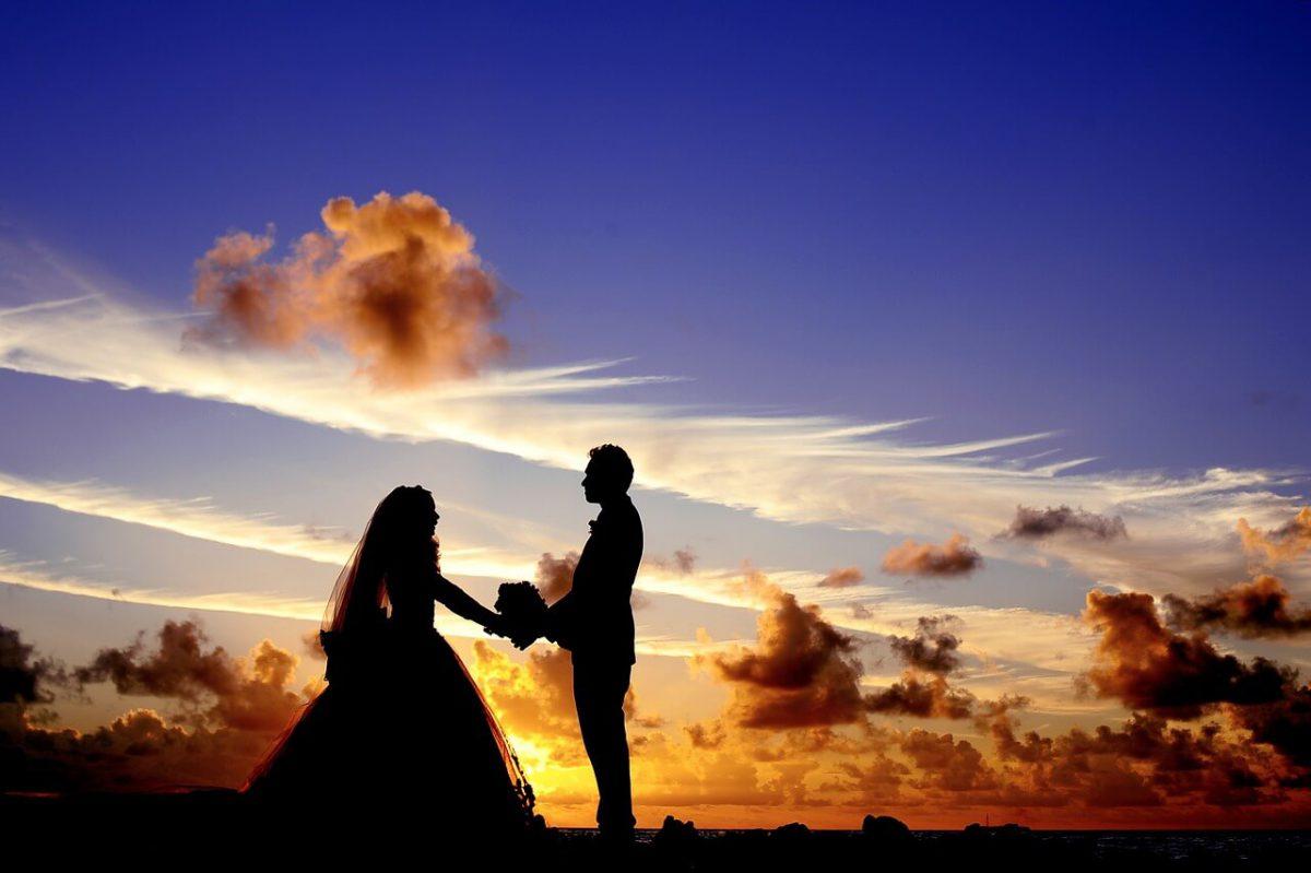 איך ניתן לשלב תמונות מיום החתונה כבר במהלך האירוע?